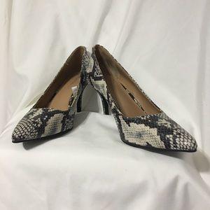 Ladies Merona Snake Skin Look Heels Sz 7 1/2